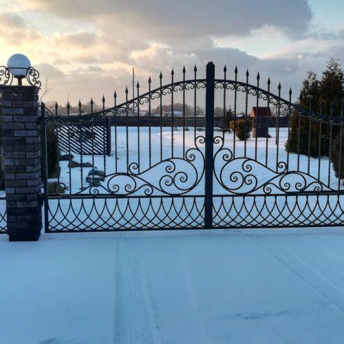 kalviski- metaliniai- vartai