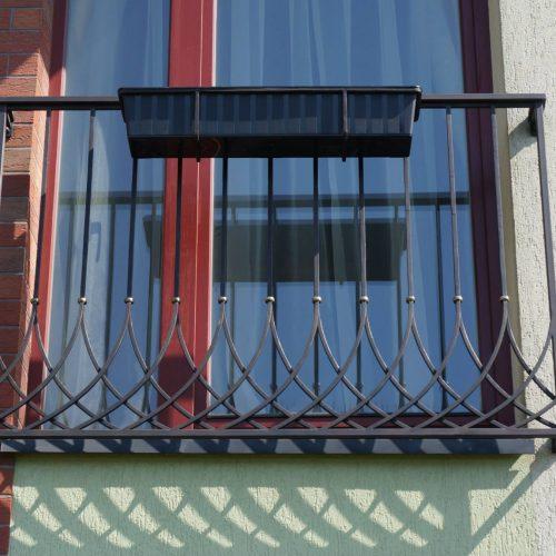 tureklai- balkoneliai